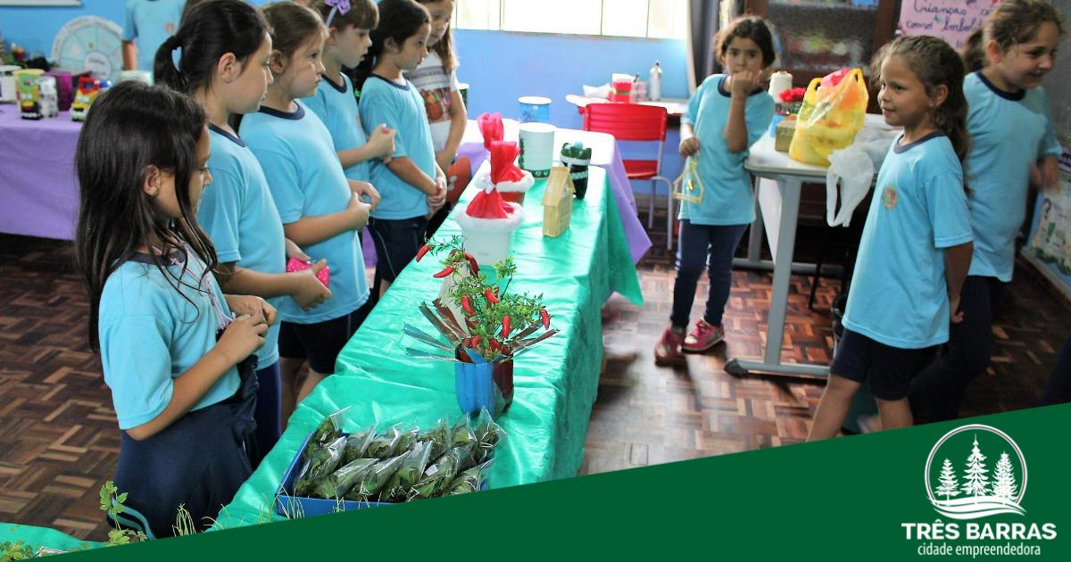 1ª Feira do JEPP começa pela escola municipal João Pedro de Oliveira