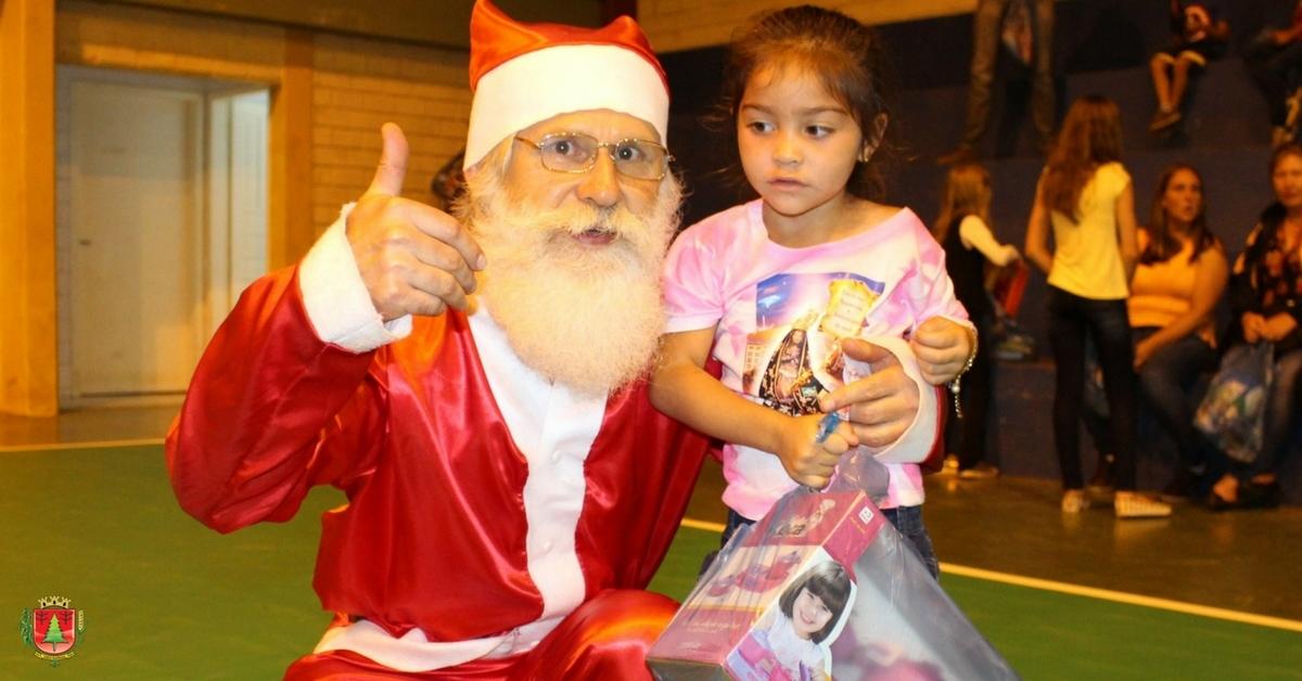 258 crianças são presenteadas durante o Natal Luz em São João dos Cavalheiros