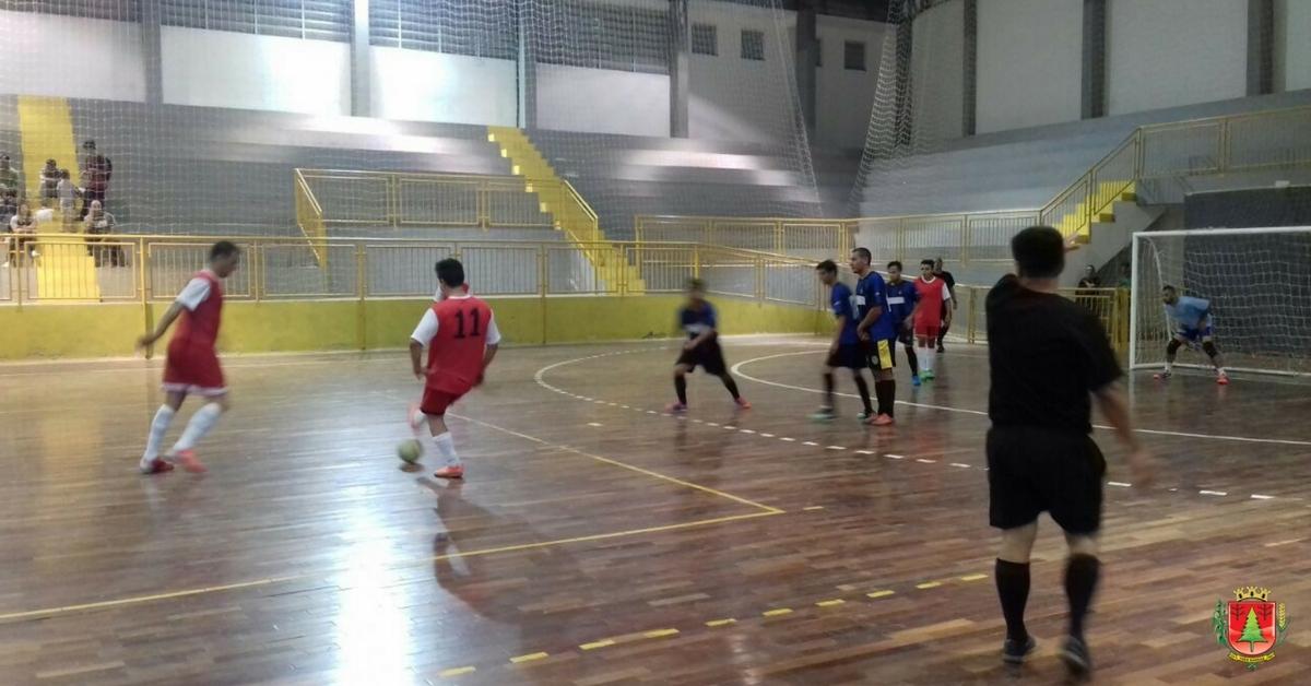 29 gols são marcados pela segunda rodada do municipal de Futsal