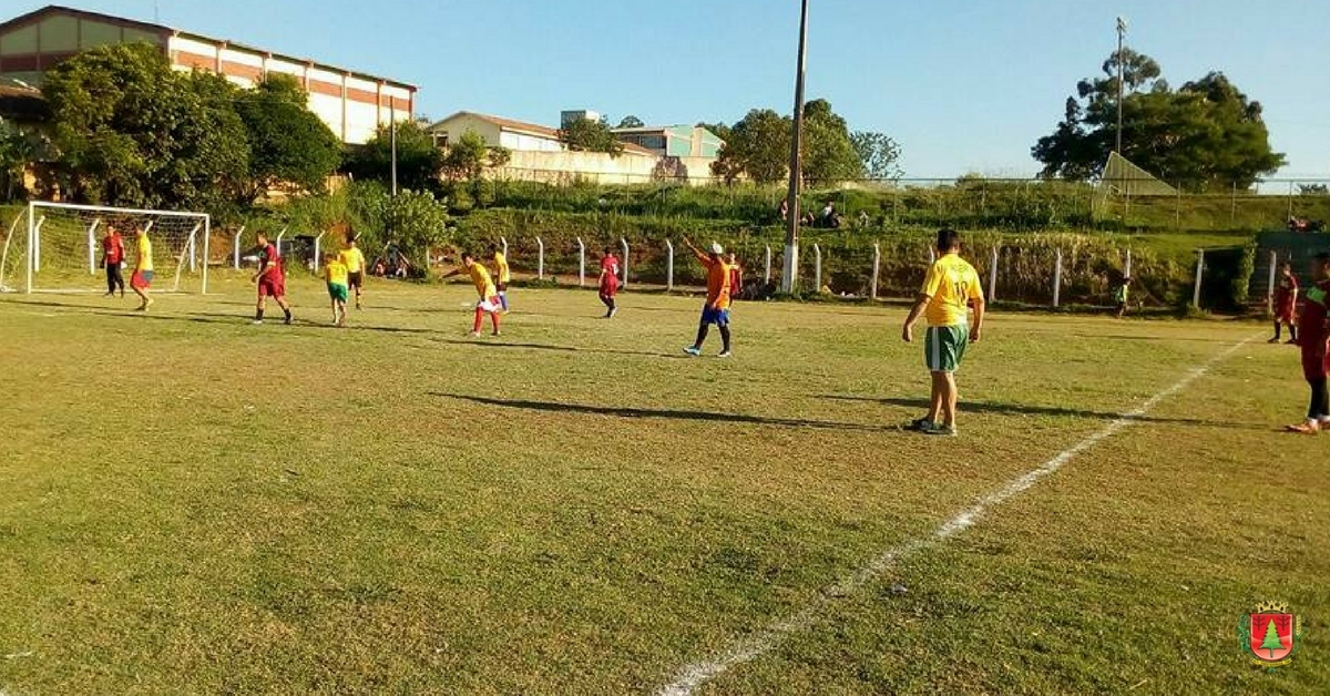 36 gols em seis partidas pelo Torneio de Futebol Suíço do CBCE