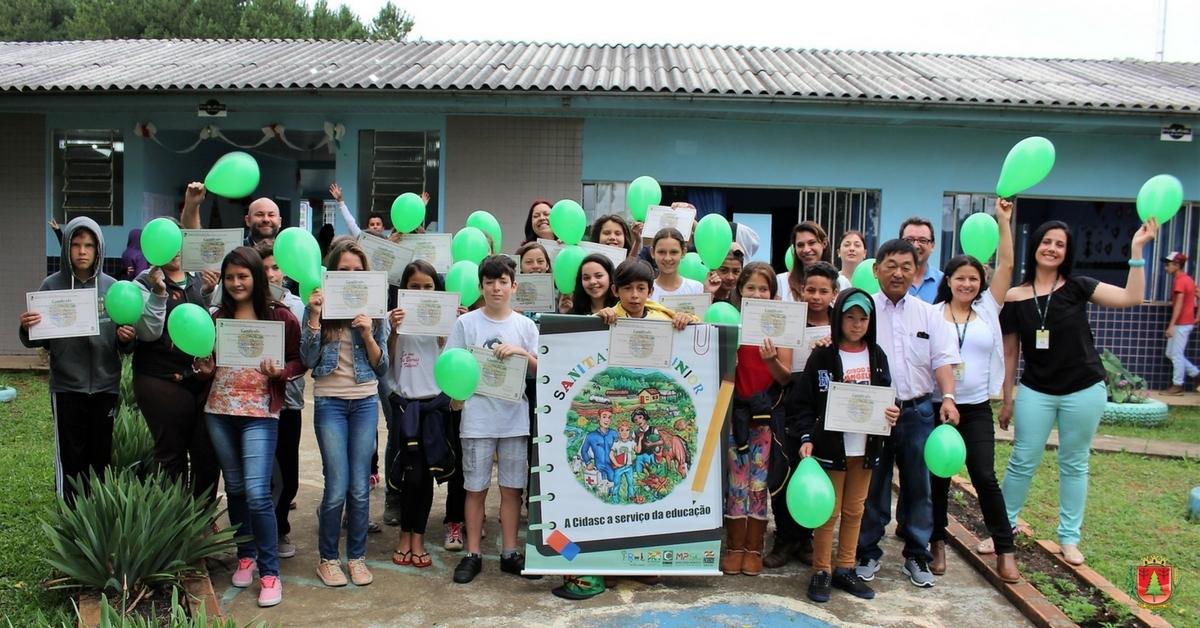 Alunos recebem certificados do Projeto Sanitarista Júnior da Cidasc