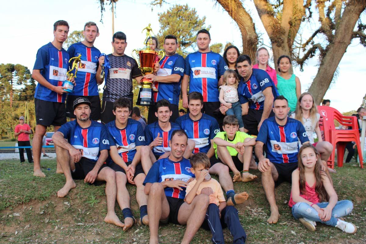 Amigos do Jonko vencem e conquistam o Campeonato de Futebol de Areia em Três Barras