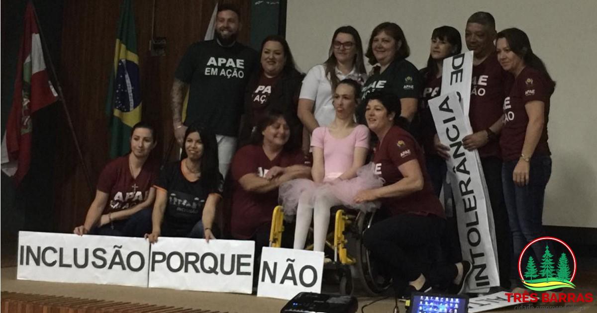 """Apresentações marcam segunda etapa do Seminário """"Inclusão, Porque Não"""""""