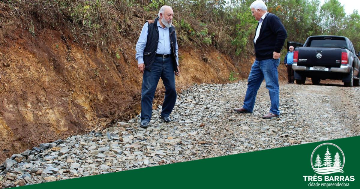 Cerca de 8 Km de estradas já foram recuperados na localidade de São João dos Cavalheiros