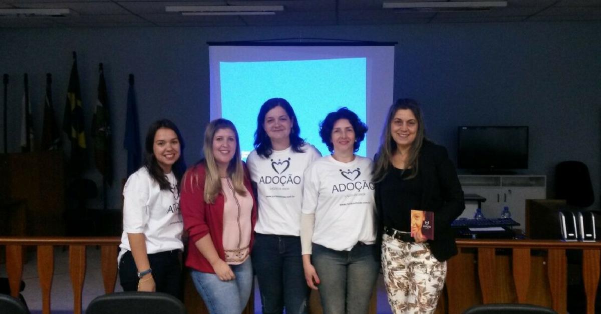 Coordenação e equipe técnica do Lar São Francisco participam de curso sobre adoção