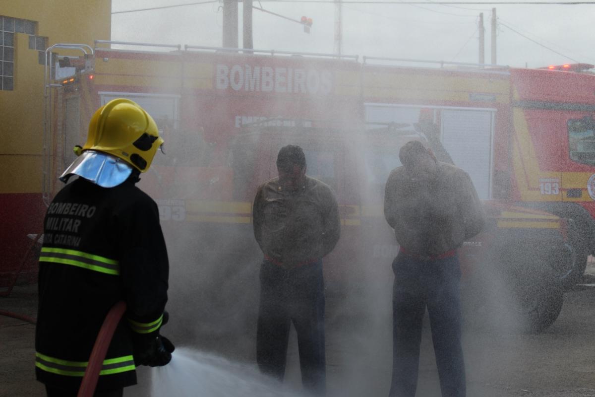 CORPO DE BOMBEIROS MILITAR DE TRÊS BARRAS REALIZA SOLENIDADE DE TROCA DE COMANDO E ENTREGA DE OBRA DA GARAGEM