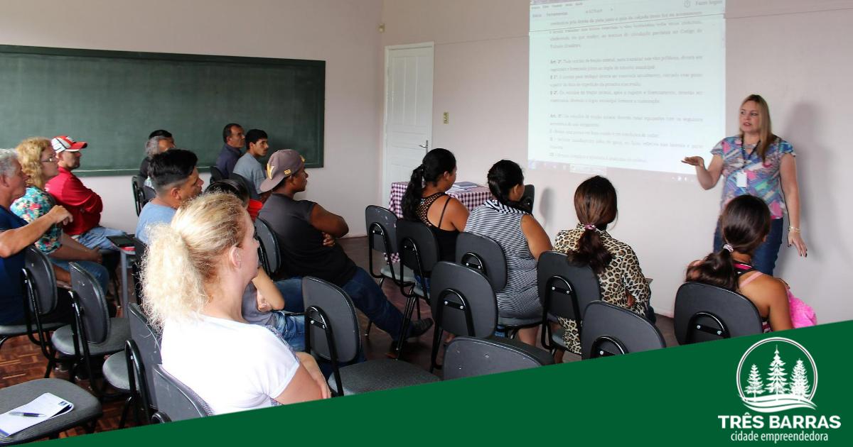 CRAS reúne catadores de recicláveis para tratar da realização de diagnóstico sobre a atividade