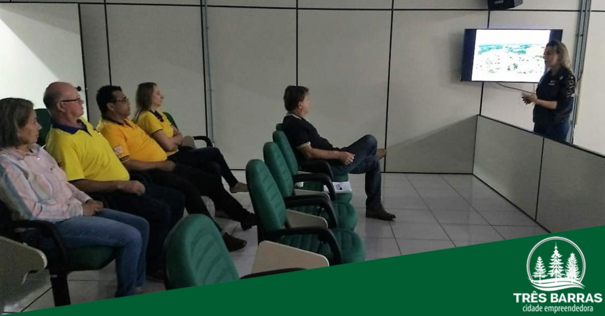 Defesa Civil reúne grupo de voluntários para apresentar e discutir o Plancom