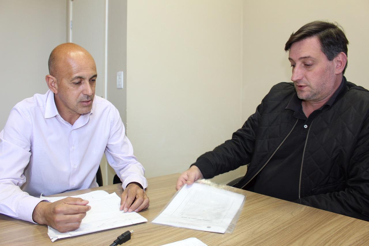 Marcos de Paula e Abrahão Mussi, respectivamente secretários de Habitação e Desenvolvimento Econômico, trabalham na organização do evento