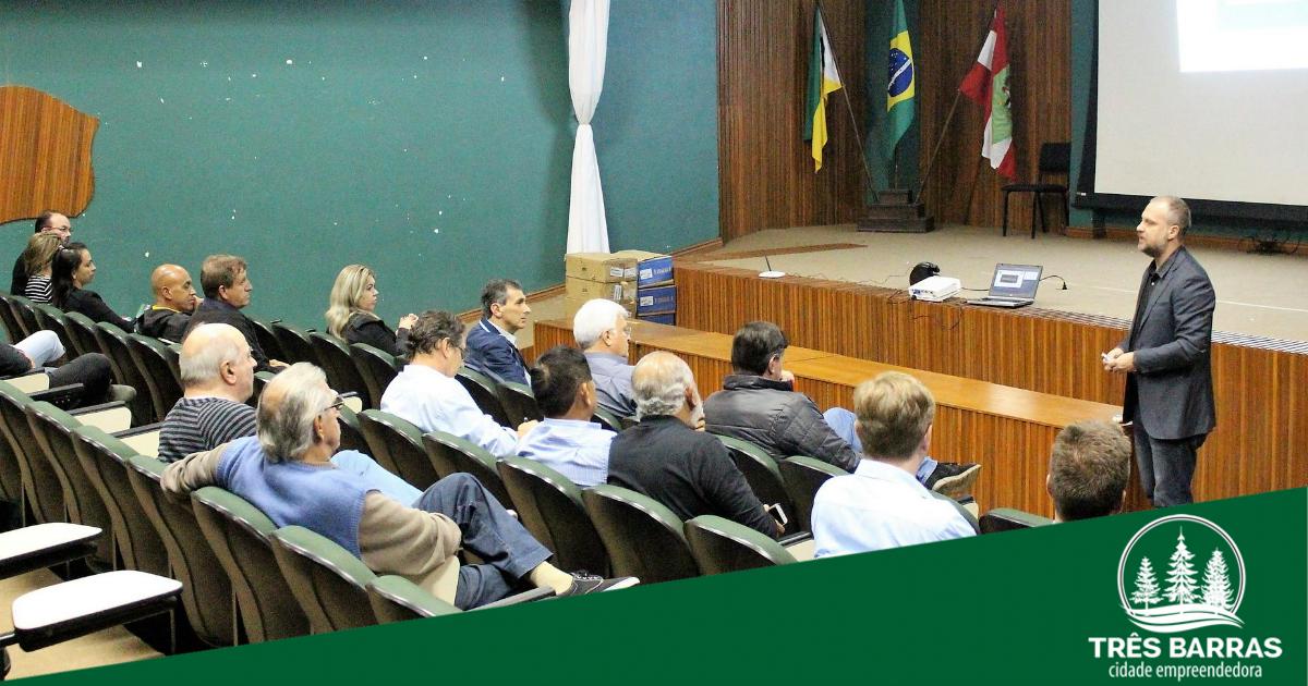Elaboração do Pedem é debatida durante reunião com lideranças do município