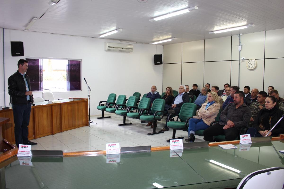 Elaboração do Plano de Contingência da Defesa Civil é tema de reunião em Três Barras