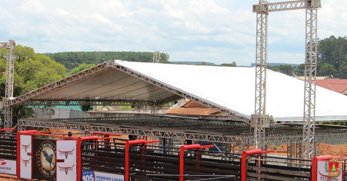Estrutura para shows e rodeio country está sendo montada