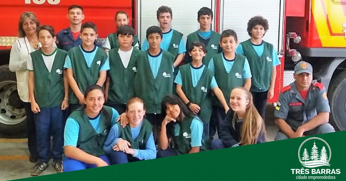 """Estudantes da escola Guita Federmann participam de treinamento sobre """"Primeiros Socorros"""""""