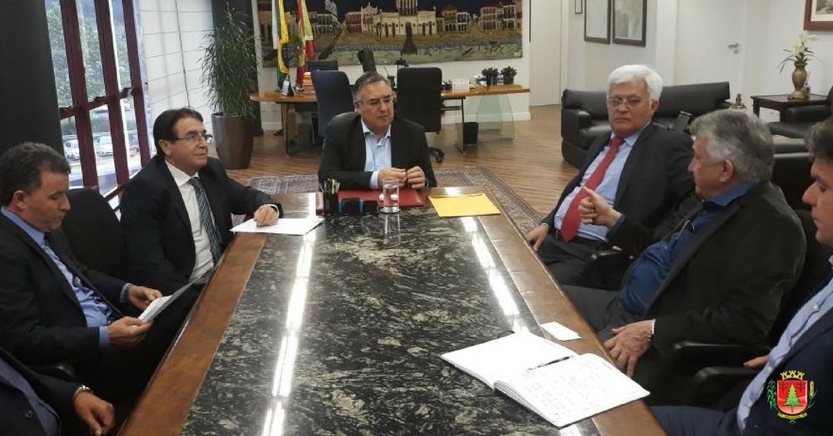 Expansão da Mili e desvio rodoviário pautam agenda com o governador do Estado