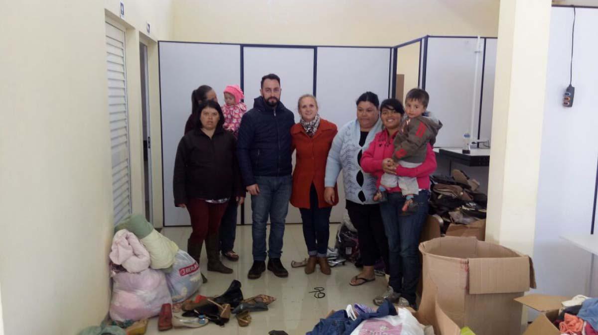 Famílias carentes começam a receber donativos em Três Barras