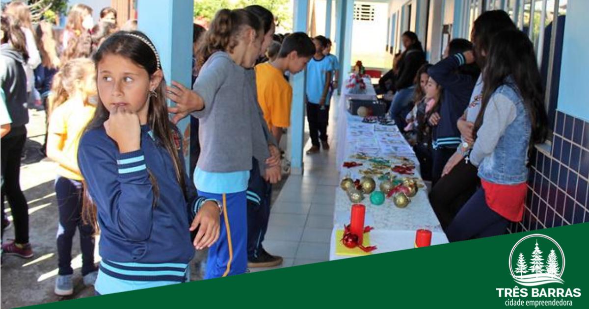 Feira do JEPP movimenta escola municipal Francisco Rocha