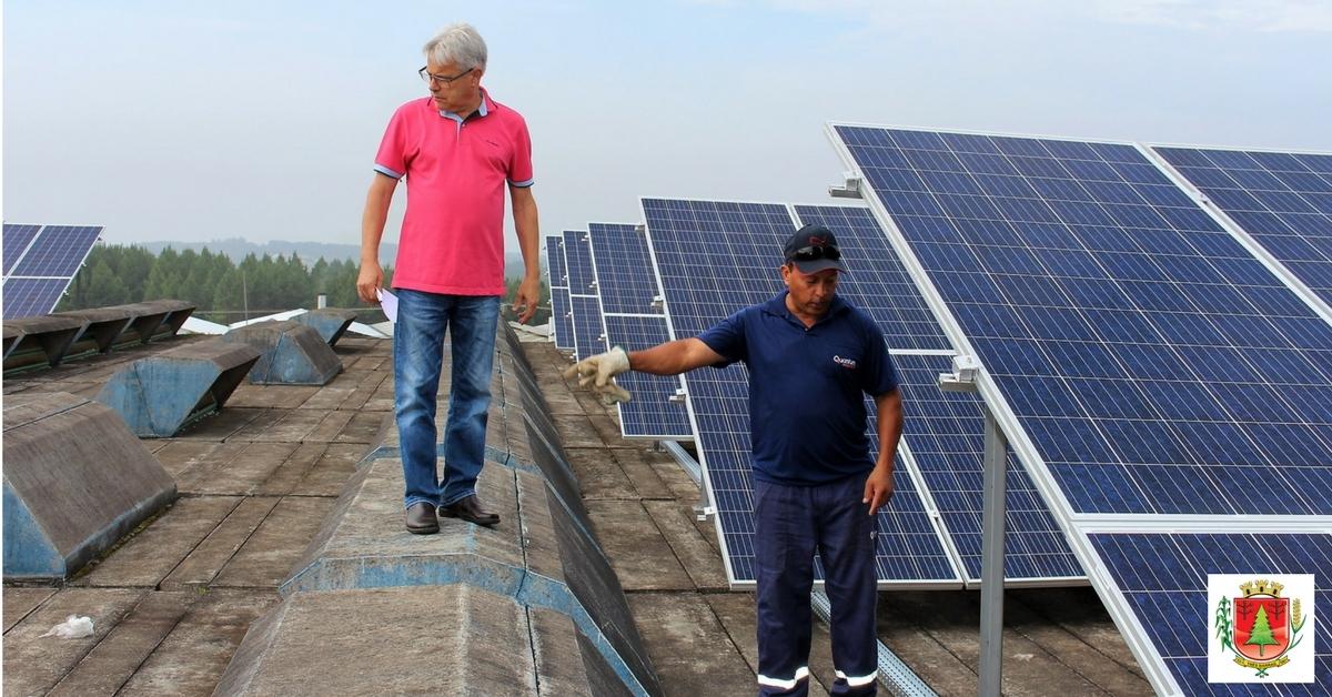 Instalação de painéis solares vai gerar economia de energia elétrica em escola