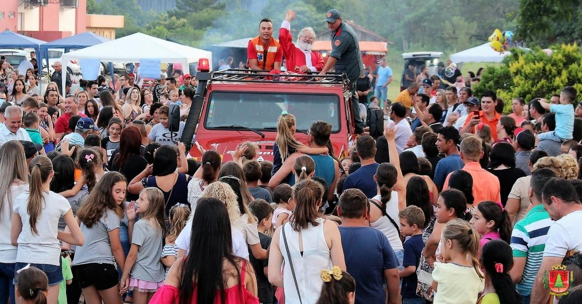 Mais de 4 mil pessoas acompanham festividades natalinas no centro