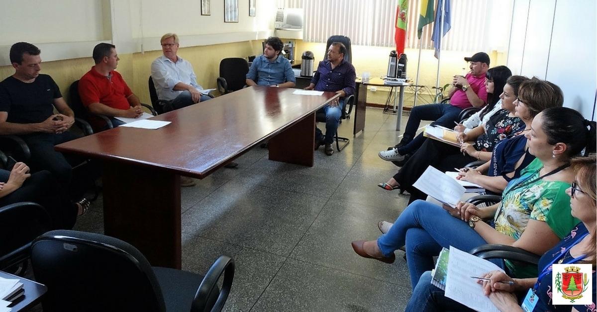 Municípios debatem parceria para a normatização da coleta de recicláveis