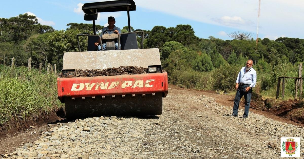 Recuperação das estradas do interior prossegue durante este mês