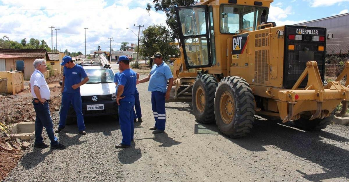 Retomadas obras de asfaltamento em duas ruas de Três Barras
