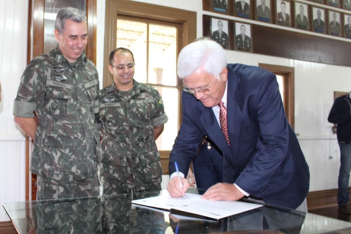 Shimoguiri e demais prefeitos tomam posse como presidentes das Juntas de Serviço Militar