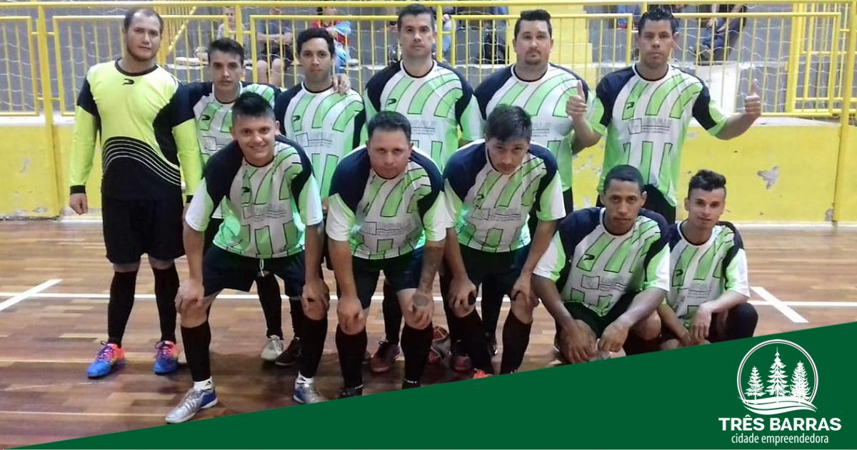 Terceira rodada do Municipal de Futsal teve goleada e 23 gols marcados