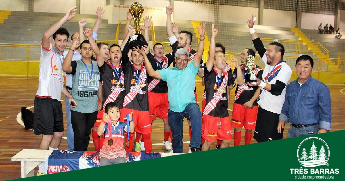 União Três Barras - B é bicampeão no Futsal Livre; Campeonato tem campeões em outras três categorias