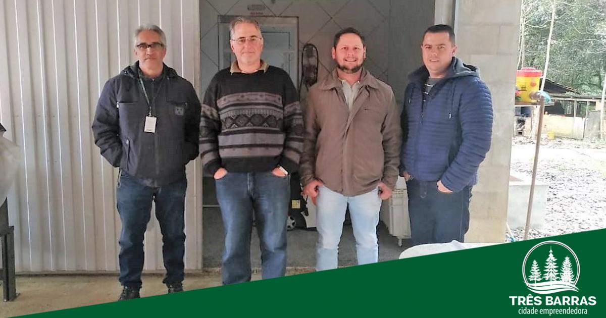 Visita técnica a frigorífico trata de parceria para a compra da produção de peixes de Três Barras